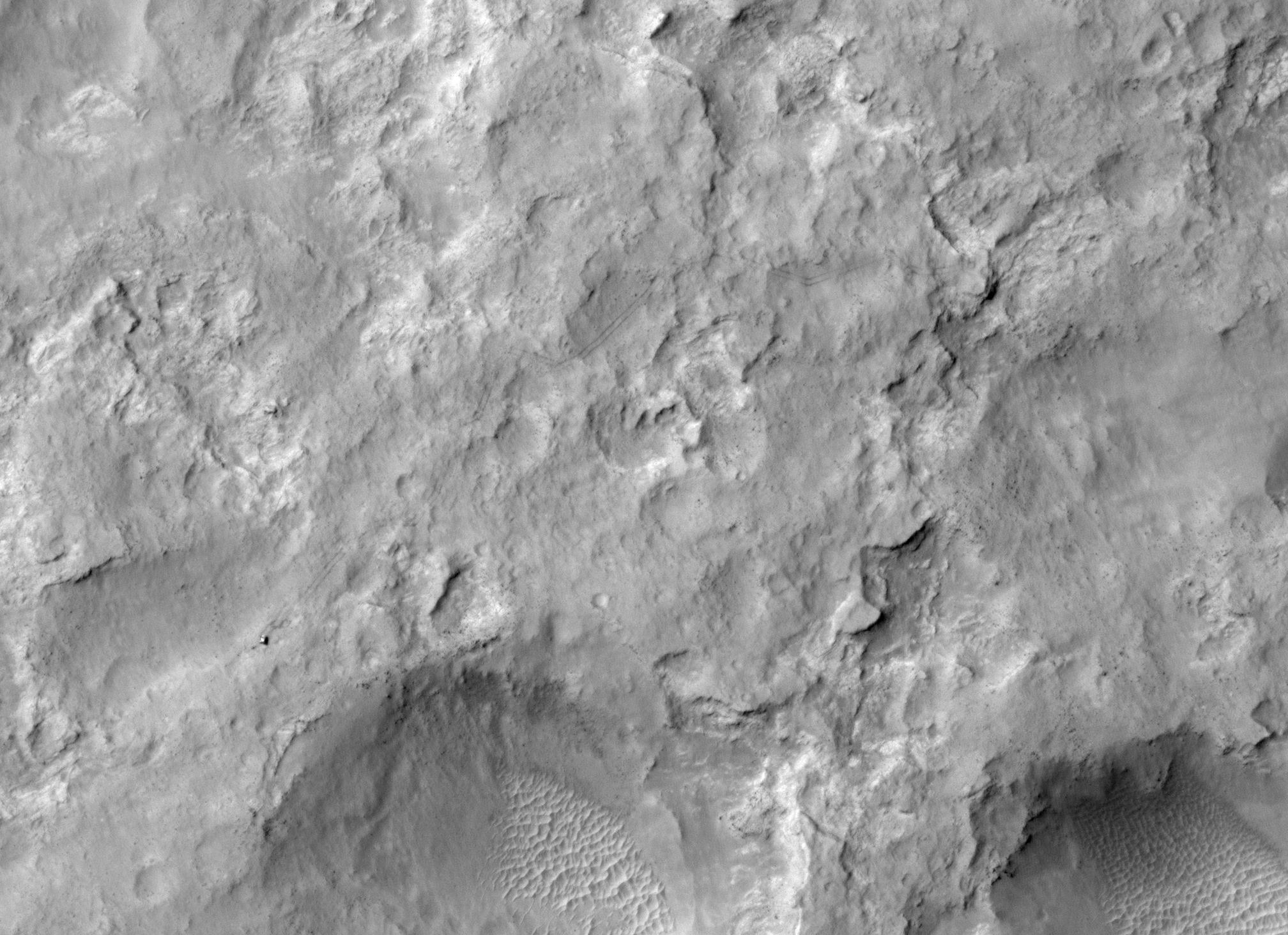 pia17755_hirise_of_rover_dec2013