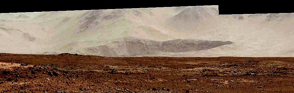cratère au loin