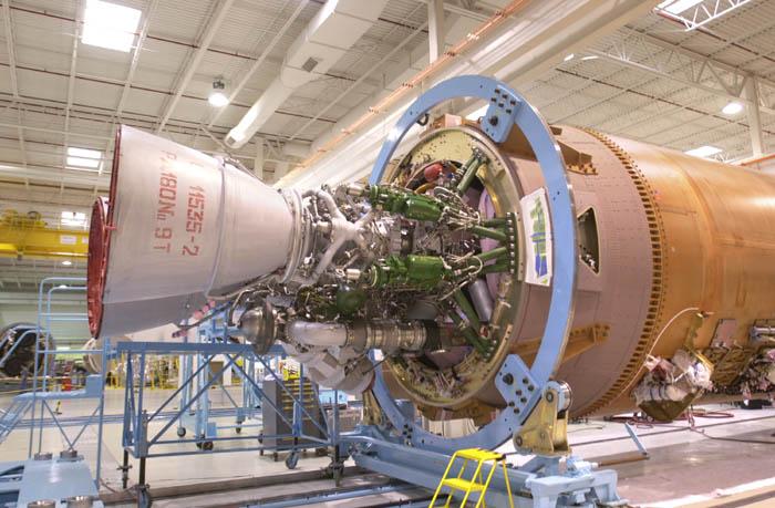 L'Amérique, pour lancer ses satellites militaires, recourt en particulier à l'Atlas 5, mue par un moteur... fourni par la Russie !