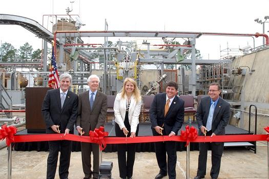 Inauguration du banc d'essai Raptor au centre Stennis de la NASA, le 21 avril 14.