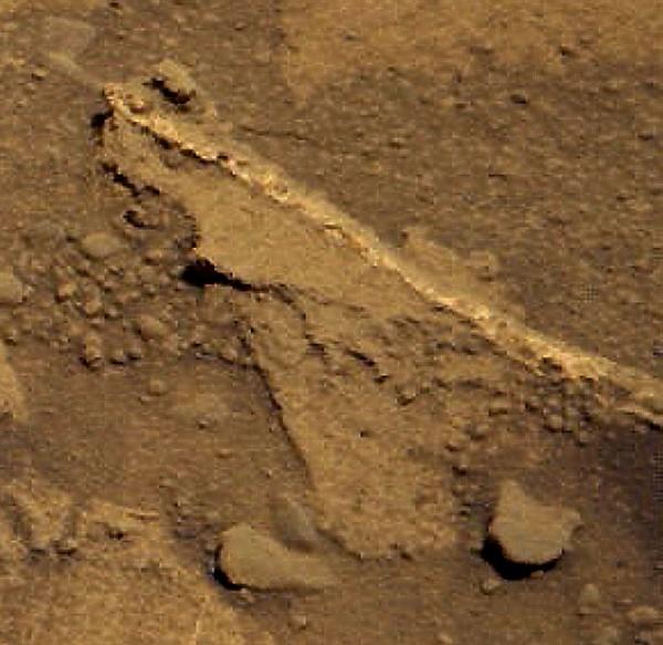mars-curiosity-rover-drilling-Sol-722-Mastcam-Color-pia18602-full détail 3