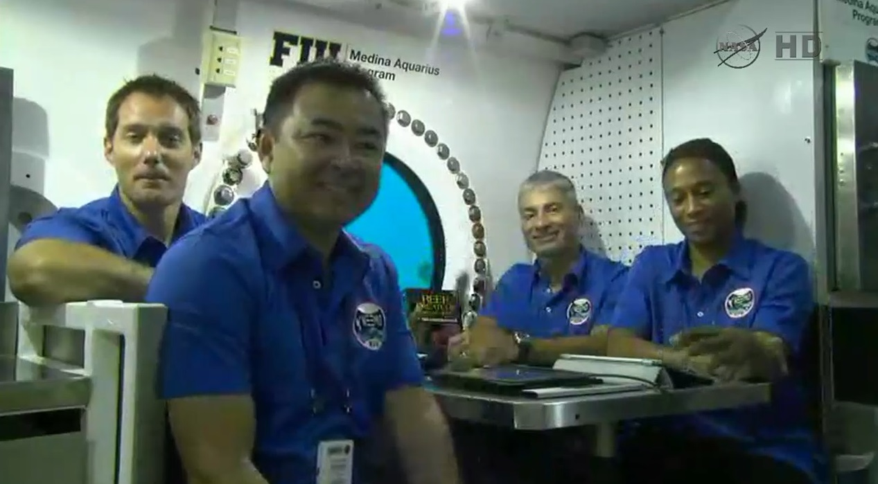 neemo-18-crew-news-conference