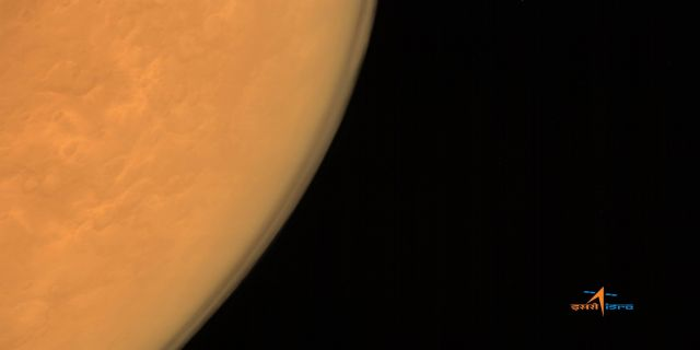maven-and-mom-orbiters-send-first-pictures-from-mars