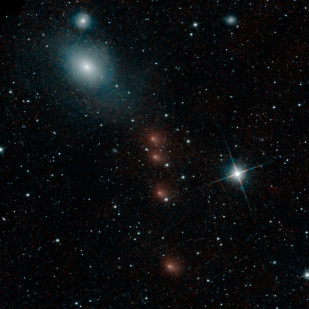 Mars-Comet-Siding-Spring-NEOWISE-PIA18593-br2