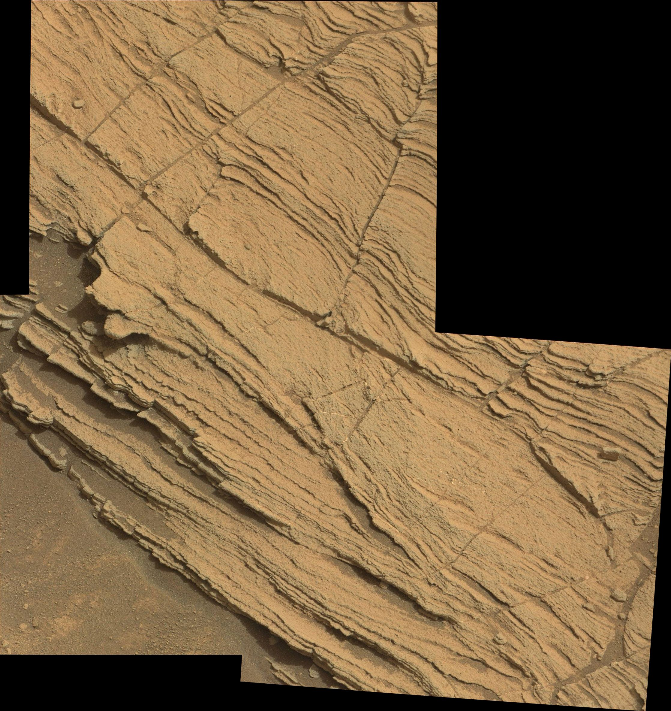 Mastcam 0828MR0036350510500646E01_DXXX_stitch