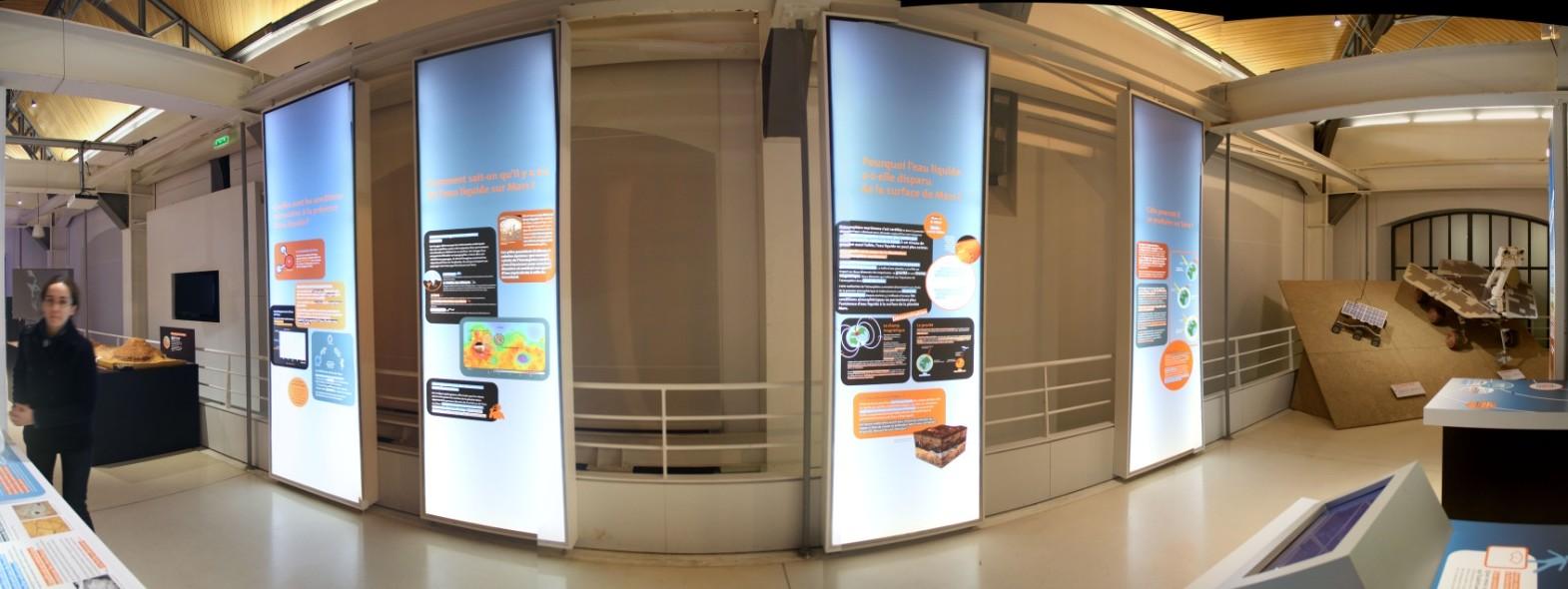 14 12 18 - 17h 57m 01s - Expo l'eau sur Mars pavillon de l'eau_stitch tr